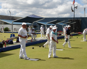 outdoor-bowling